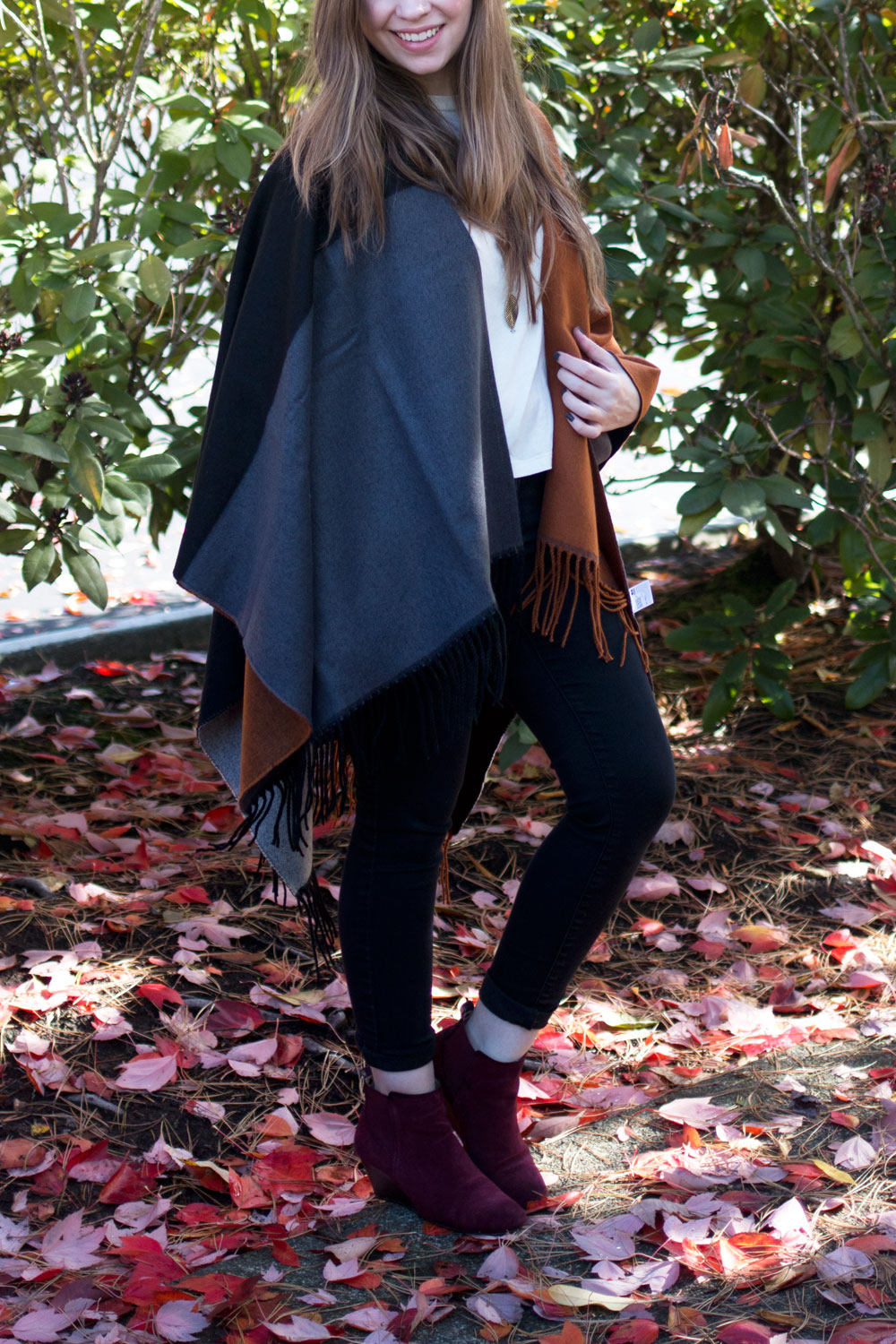 b257d97525ce8 Styling a Poncho for Fall // hellorigby seattle fashion blog