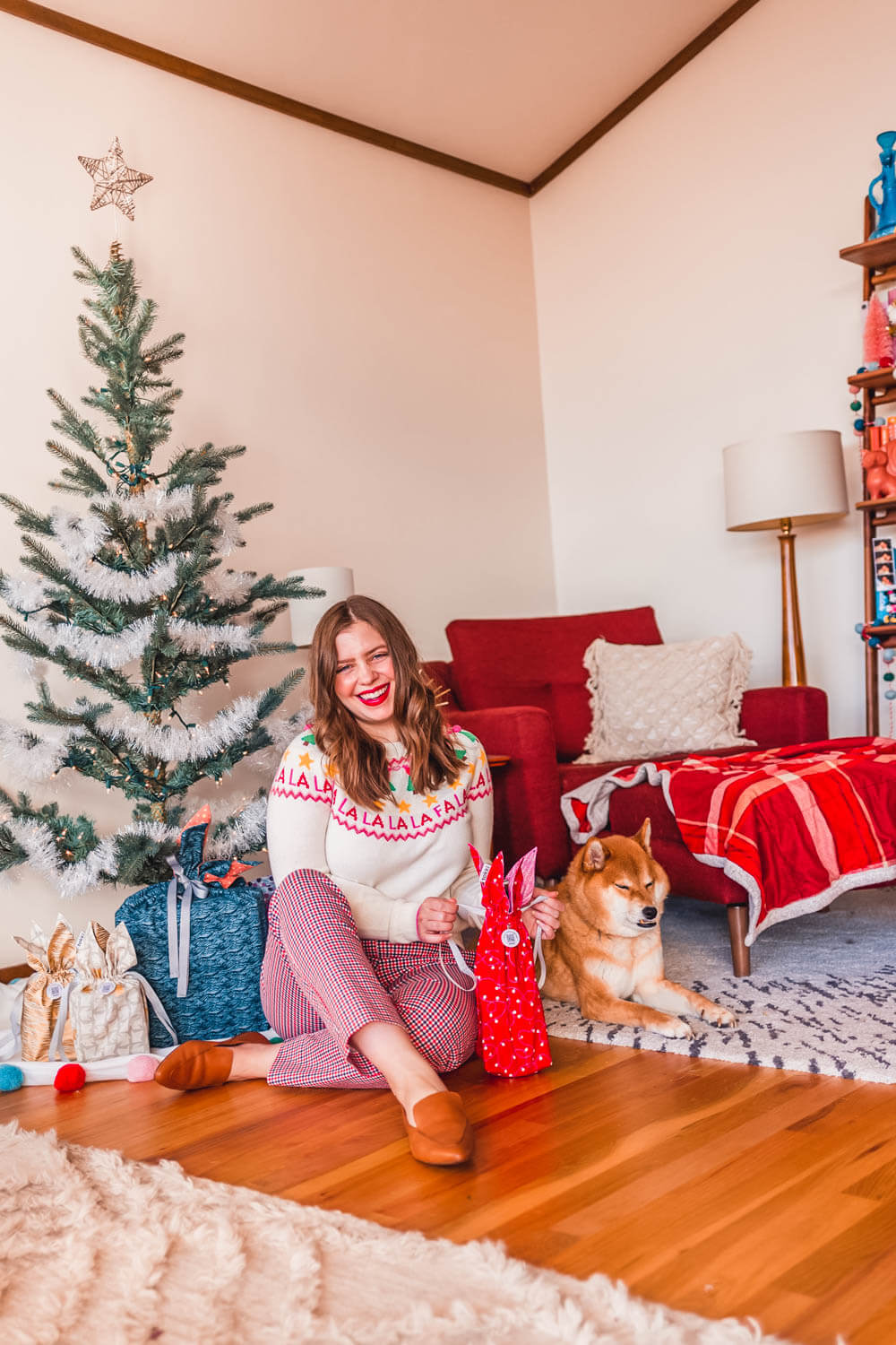 2021 Seattle Christmas Gift Guide Shop Local 125 Best Gift Ideas From Seattle Seattle Lifestyle Blog